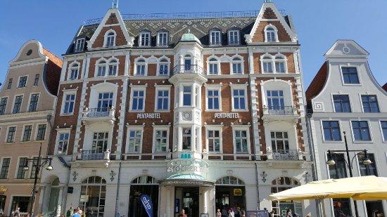 Shoppingcenter Rostocker Hof 1